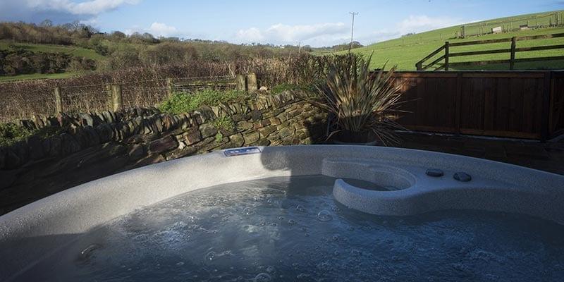 Meadow Barn Hot Tub at Devon Country Barns
